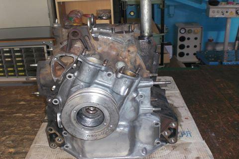 ロータリー13Aエンジンブロック1.JPG