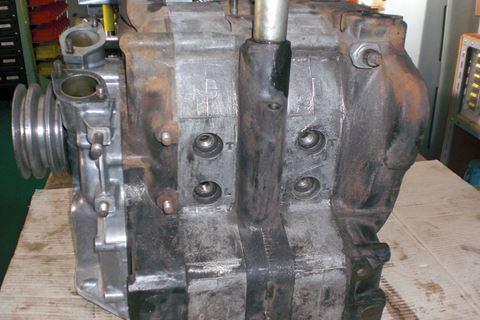 ロータリー13Aエンジンブロック3.JPG