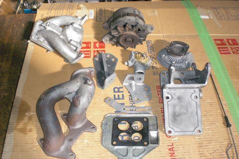 ロータリー13Aエンジン部品1.JPG