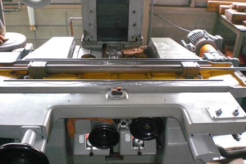 研磨機修理 正面2.JPG